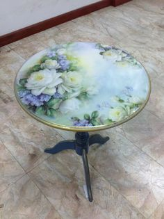 Mobili per decoupage – Recycled Furnitures Ideas Decoupage Furniture, Hand Painted Furniture, Refurbished Furniture, Paint Furniture, Repurposed Furniture, Furniture Makeover, China Painting, Tole Painting, Painting On Wood