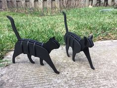 These are the same cat with two different head styles. They were made from 3 mm MDF. Update: May The latest files incorporate the ability to Diy Projects Etsy, Woodworking Projects Diy, Cat Laser, Wood Carving For Beginners, Cnc, Cut Cat, Animal Puzzle, Laser Cut Files, Cardboard Art
