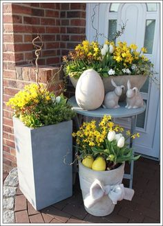 Easter Decoration & # ★ Easter 2015 & # s; - Hiltrud Sambale Osterdeko '★ Ostern Easter Decoration & # ★ Easter 2015 & # s; Easter Table, Easter Eggs, Deco Restaurant, Easter 2015, Diy Ostern, Deco Floral, Garden Planters, Diy Garden, Garden Landscaping