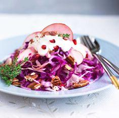 Jouluinen coleslaw eli kaalisalaatti maistuu lounaana ruisleivän kanssa. Coleslaw, Cabbage, Koti, Salad, Vegetables, Anna, Christmas, Xmas, Coleslaw Salad
