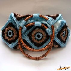 17 granny bag- fun ideas. It seems to me you could use any 'granny' pattern
