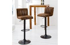 Kitchen Stools, Bar Stools, Kitchen Themes, Kitchen Designs, Chair Design, Home Kitchens, New Homes, House Design, Living Room