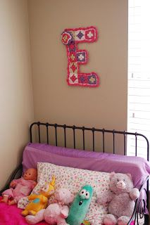 Alli Crafts: Free Pattern: Girl's Room Wall Decor Letter 'E'