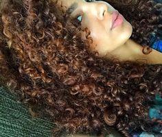 Natural curly hair Curly Hair Care, Curly Hair Styles, Mixed Hair, Textured Hair, Jade, Dreadlocks, Reddish Brown, Instagram Posts, Friday