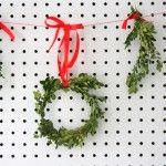 DIY Boxwood Mini Wreaths Garland