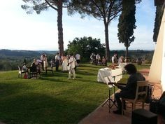 Little wedding in the Tuscan hills