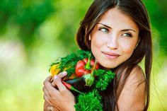 Conoces el poder de la NUTRICOSMÉTICA? Somos lo que comemos y esto se refleja en nuestra piel. Cuida tu interior para potenciar tu belleza exterior.