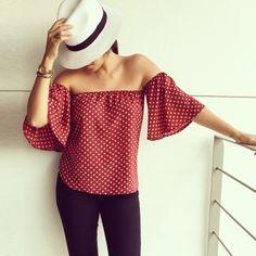 Off The shoulder polka dots blouse