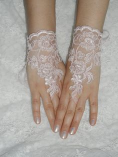 Wedding Gloves, pink lace gloves,  Fingerless Gloves, Pink lace gloves , Off the cuffs, cuff wedding bride, bridal gloves, free ship