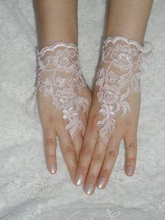 Wedding Gloves, pink lace gloves,  Fingerless Gloves, Pink lace gloves , Off the cuffs, cuff wedding bride, bridal gloves, free ship