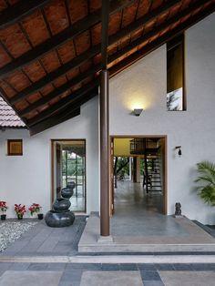 Gallery - House in Khandala / Opolis architects - 11