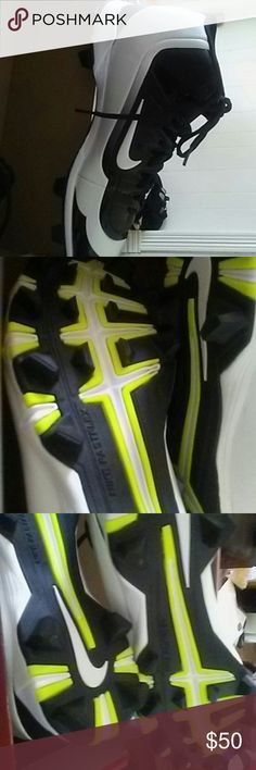 Nike huarache fastflex cleates Flawless black and white Nike Shoes Athletic Shoes