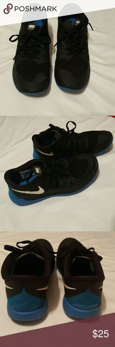 Boys Nike Sneakers -  Size 6 Y Boys Nike Sneakers- Size 6 - Excellent condition  (worn a couple times for short periods). No flaws (my son just wanted red sneakers). Nike Shoes Sneakers