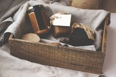 Your family will love this perfect sustainable Christmas hamper. It's important to encourage people to be eco-friendly, and what better way than gifting this hamper. Mason Jar Gifts, Mason Jars, Christmas Hamper, Xmas Hampers, Cozy Blankets, Wooden Boxes, Wooden Diy, Gift Baskets, Hamper Gift