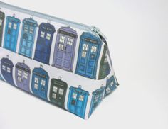 Items similar to TARDIS Doctor Who makeup bag / cosmetic zipper pouch on Etsy Small Makeup Bag, Makeup Bags, Doctor Who Tardis, Things To Buy, Stuff To Buy, Kona Cotton, Indie Brands, Zipper Pouch, Bag Making