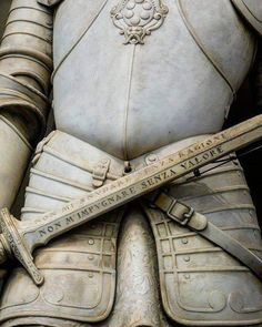 """""""Do not unsheat me without a reason, do not hold me without worthiness"""" Lodovico De Medici statue Valor Tattoo, Dragon Age, Slytherin, Faeries, Dungeons And Dragons, Medieval, Weapons, Art Photography, Old Things"""
