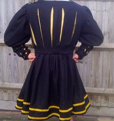 Posts about side saddle written by A damsel in this dress Historical Costume, Historical Clothing, Mens Garb, Damsel In This Dress, German Costume, German Outfit, Renaissance Clothing, Renaissance Fair, Landsknecht