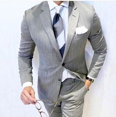 Omg this look is amazing ! #mensclothing #menswear #mensfashion #gentleman #ootd #suits #blazers #mensfashionposting #lookoftheday #viralvideos #menswear #love #GQ #suitedandbooted #suited #beautifuldestinations #suituptime #suitup #dapperlife #follow #style #menstyle #gentlemen #mensstyle #mensfashionblogger #suit #menwithclass