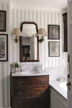 Home Interior Design .Home Interior Design Dark Stained Cabinets, Dark Cabinets, Wood Cabinets, Home Interior, Interior Design, Interior Colors, Interior Livingroom, Interior Modern, Design Living Room