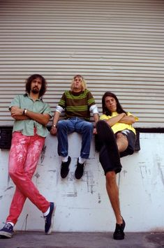 Krist Novoselic, Kurt Cobain and Dave Grohl Nirvana - August 1991 Rock N Roll, Pop Rock, Nirvana Kurt Cobain, Frances Bean Cobain, Dave Grohl, Tim Burton, Kurk Cobain, Foo Fighters Nirvana, Donald Cobain