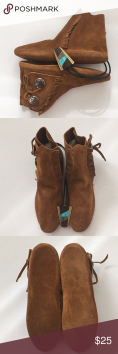 Minnetonka Brown Suede Moccasins, Soft Sole Genuine Brown Suede moccasins bought  on an Indian reservation in Arizona and have never been worn.  Nice and soft!   NWOT Minnetonka Shoes Moccasins