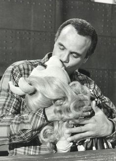 Harry Belafonte and Miss Piggy - DOPE