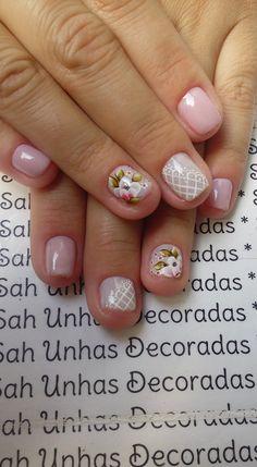 Para quem usa unhas curtas, vejam 28 modelos lindos de unhas decoradas!! 89 Fotos de Unhas Curtas Decoradas ACESSE AGORA AO MELHOR CURSO DE MANICURE, PREÇO ESPECIAL SOMENTE HOJE ((CLIQUE AQUI)) Love Nails, Fun Nails, Nail Polish Style, Pedicure, Lady Fingers, Short Nails, Trendy Nails, Nail Arts, Spring Nails