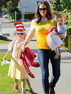 Hollywood's Most Stylish Moms: Just like her red carpet appearances, Jennifer Garner likes to keep things simple while out and about with her kids.
