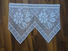 This Pin was discovered by apa Crochet Lace Edging, Crochet Leaves, Crochet Snowflakes, Cotton Crochet, Love Crochet, Filet Crochet, Beautiful Crochet, Crochet Doilies, Hand Crochet