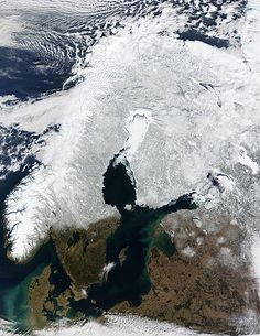 Satellite image of Fennoscandia in winter. The northern part of the Gulf of Bothnia, the Bothnian Bay, is covered with sea ice.
