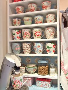 Shabby Rose Cottage Mugs