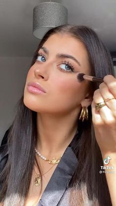 Simple Makeup For Party, Natural Everyday Makeup, Creative Makeup Looks, Simple Eye Makeup, Natural Makeup Tutorials, Natural Glam Makeup, Everyday Makeup Tutorials, Day Eye Makeup, Day Makeup Looks