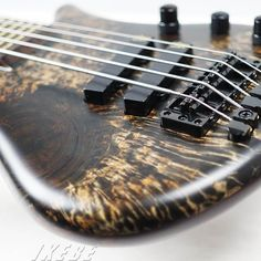 "Warwick Custom Shop Thumb Bass 5st ""Hand-Selected Karelian Birch Top/Wenge Fingerboard""【楽器検索デジマート】"
