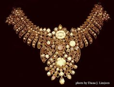 Imelda Marcos Jewels   Aquino eyes expert advice on best time to sell Imelda Marcos jewels