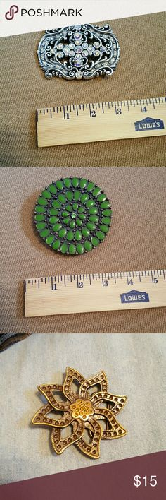 bundle of belt buckles 1 silver rectangle, 1 green circle, 1 gold star/flower. Accessories Belts
