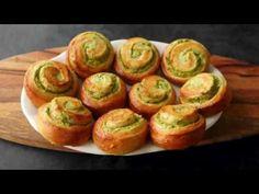 Babičkina voľba - špenátové rolky (videorecept) Baked Potato, Sushi, Potatoes, Baking, Ethnic Recipes, Food, Youtube, Bread Making, Meal