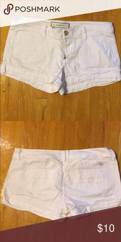 Abercrombie & Fitch shorts White Abercrombie & Fitch shorts Abercrombie & Fitch Shorts