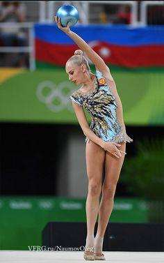 Los mejores #Maillots de gimnasia #Rítmica que hemos visto en los #JJOO2016 de rio. No te pierdas los que más destacaron en las olimpiadas. Yana-kudryavtseva-leotard-1
