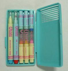 かさねTYPEとあるように、重ねて書くとインクの色が変わるというユニークなペンです。 80s Design, Store Design, 80s Images, Cute Stationery, Stationary, Memories Faded, Vintage My Little Pony, Little Twin Stars, The Good Old Days