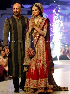 HSY Pantene Bridal Couture Week 2013.  Absolutely stunning Pakistani bridal lehenga. Traditional but still very fashionable <3 adore this