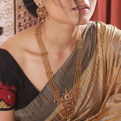 Looking for beautiful haram designs to shop? Here are our picks of 31 stylish designs & where you can buy them Gold Jewellery Design, Gold Jewelry, India Jewelry, Bridal Jewellery, Diamond Jewelry, Temple Jewellery, Jewelery, Fancy Jewellery, Jewellery Sale