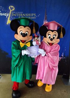 Graduation Minnie