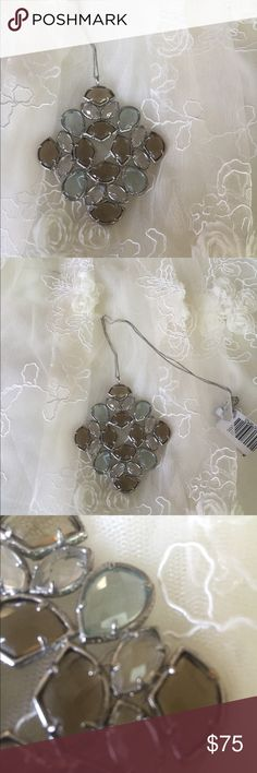Kendra Scott vintage pendant RARE Rare Kendra Scott Slight tarnished in areas shown great condition otherwise Custom color bar necklace where you design your Kendra Creation and they set it and you walk out with it!!!!!!! Taking offers Kendra Scott Jewelry Necklaces
