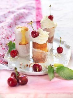 Mandel-Cakes mit Kirschen I © GUSTO / Ulrike Köb I www.gusto.at