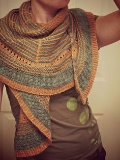 nook. pattern is angelus by: Emma Galati