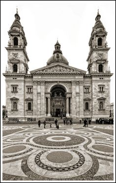 Hungary - Budapest - St Stephens Basilica | Flickr Architecture Baroque, Neoclassical Architecture, Beautiful Architecture, Budapest Holidays, Visit Budapest, Prague, Places To Travel, Places To Visit, Capital Of Hungary