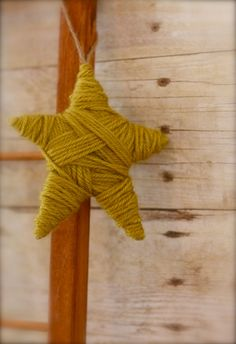 Rustic Yarn Wrapped Star Ornament x Woodland Christmas, Noel Christmas, Country Christmas, Handmade Christmas, Vintage Christmas, Christmas Ornaments, Creation Couture, Star Ornament, Holiday Crafts