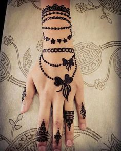 Latest Henna Tattoo Designs – Try on Eid 2019 – Henna Designs – Mehandi Designs 2019 Henna Tattoo Designs Simple, Finger Henna Designs, Simple Arabic Mehndi Designs, Henna Art Designs, Mehndi Designs For Girls, Modern Mehndi Designs, Dulhan Mehndi Designs, Mehndi Design Pictures, Mehndi Designs For Fingers