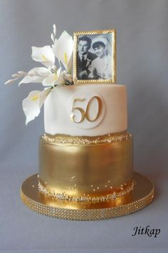Golden wedding cake by Jitkap - http://cakesdecor.com/cakes/307507-golden-wedding-cake