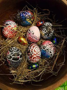 5hugs: Crazy Easter Eggs Bunt, Easter Eggs, Christmas Bulbs, Holiday Decor, How To Make, Diy, Home Decor, Creative, Do Crafts